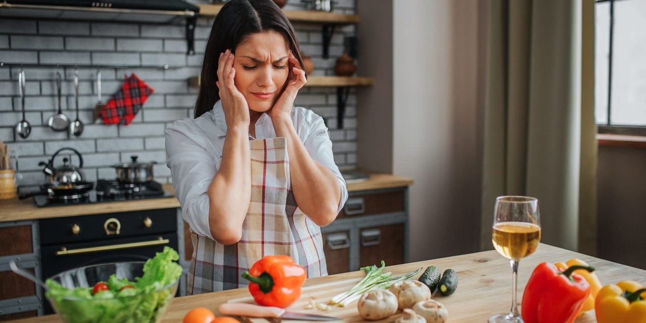 What to Eat to Reduce Migraines & What to Avoid